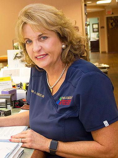Dr Stefanie A Schultis