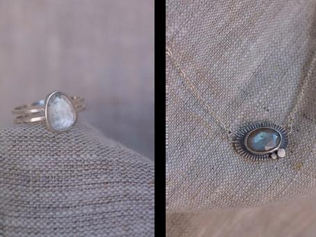 Comment nettoyer ses bijoux en argent - Tests et astuces en vidéo
