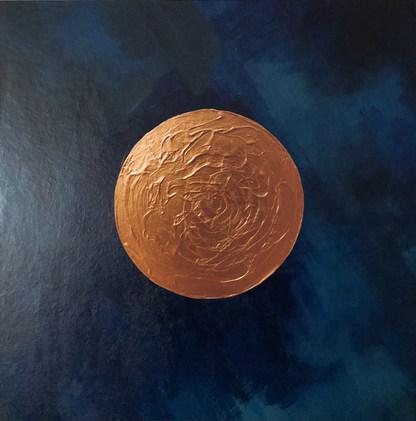 Goldener Kreis auf dunkelblauem Hintergrund