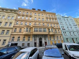Celková rekonstrukce činžovního domu v ulici Mělnická čp.8, Praha 5- Smíchov