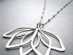 Summer Petals necklace