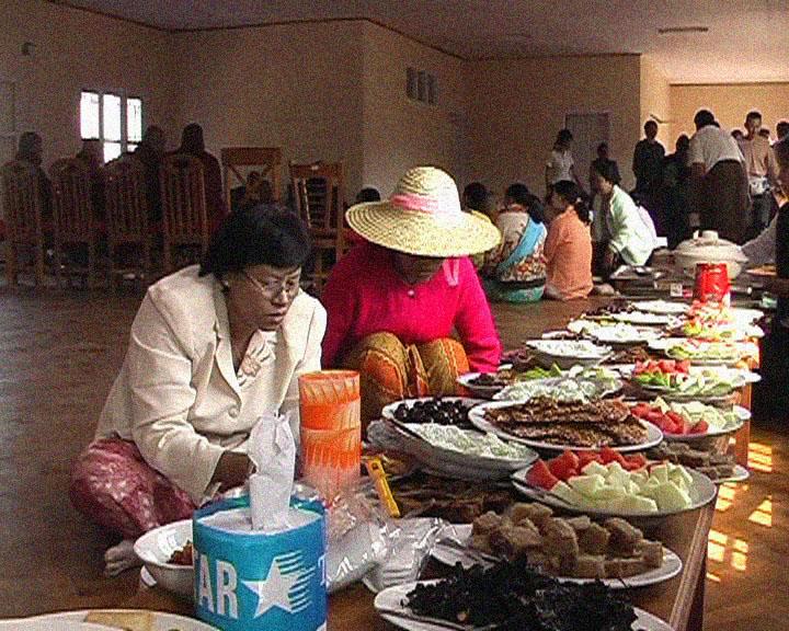 Burmese helpers preparing for Opening lunch Dana.JPG