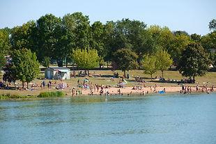 baignade dans lac en Touraine