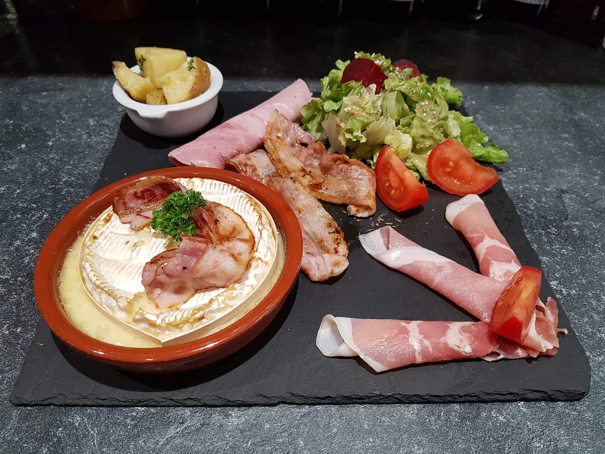 Camembert rôti au Calvados