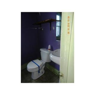 MaplewoodBathroom.jpg