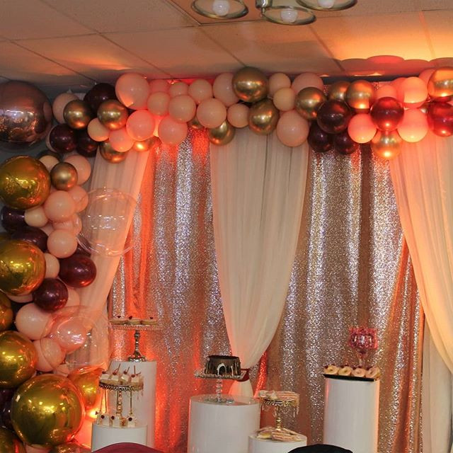detroit organic balloon arch