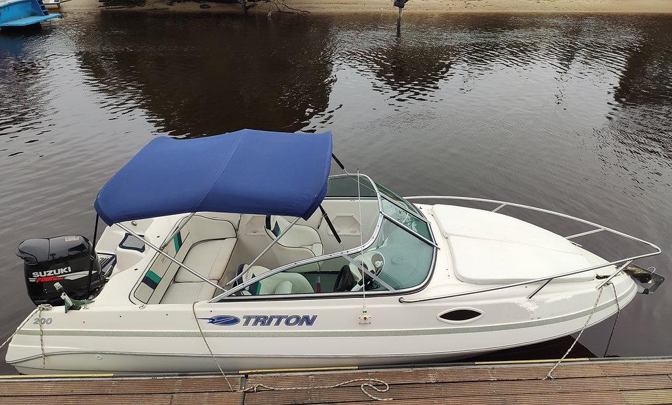 Triton 200