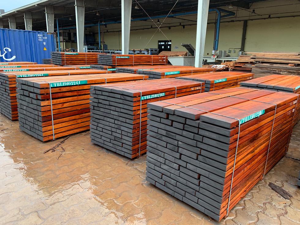 NIANGON sawn timber