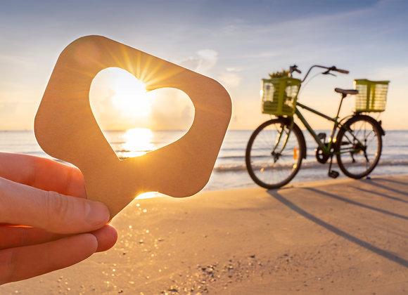 Herz am Strand als Symbol für Tik Tok Likes kaufen.