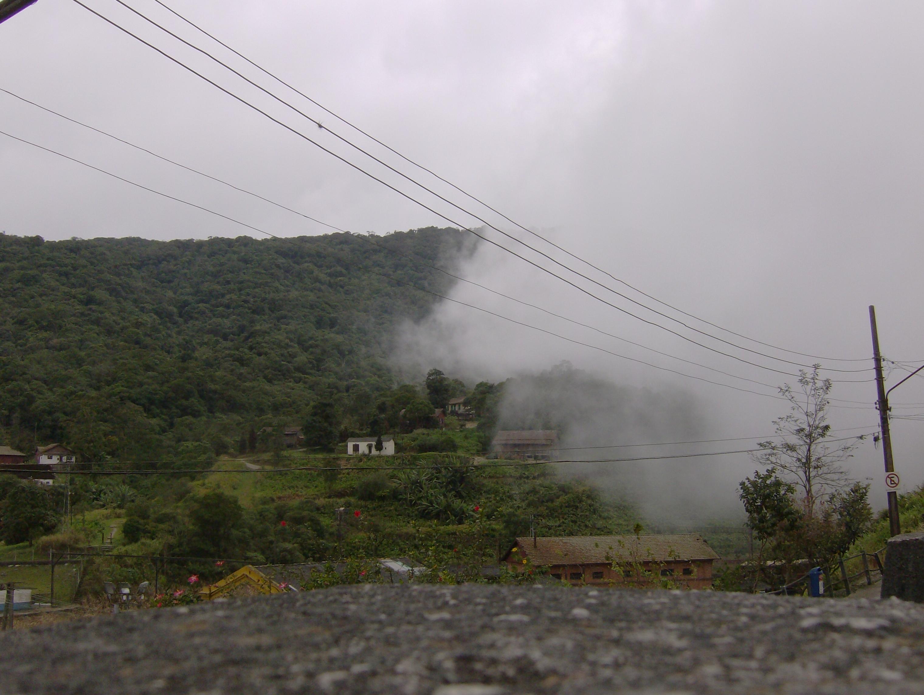 neblina emcobrindo v velha