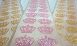 coroa-colante-dourada-ou-rosa-aniversari