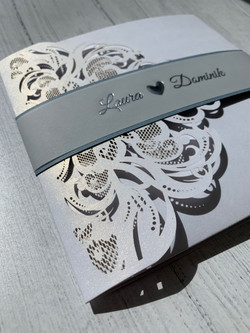 TriFold Lasercut with belly band