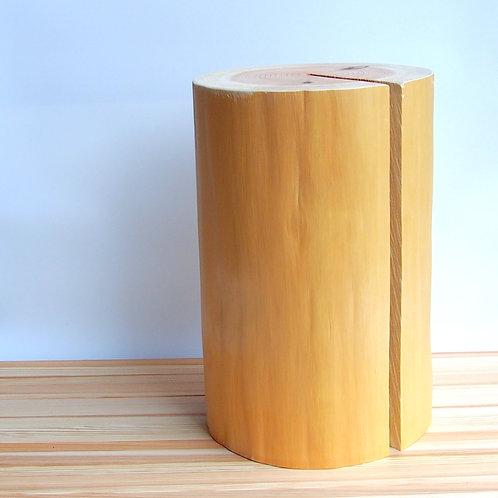 森の丸太スツール(吉野杉磨き丸太仕上げ)