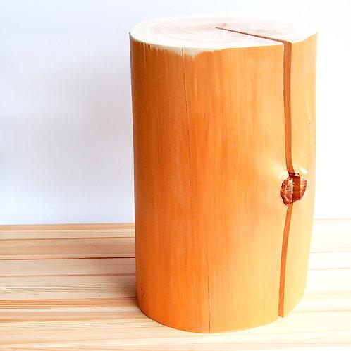 森の丸太スツール(吉野ヒノキ磨き丸太仕上げ)