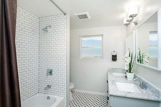 New Bathtub Surround