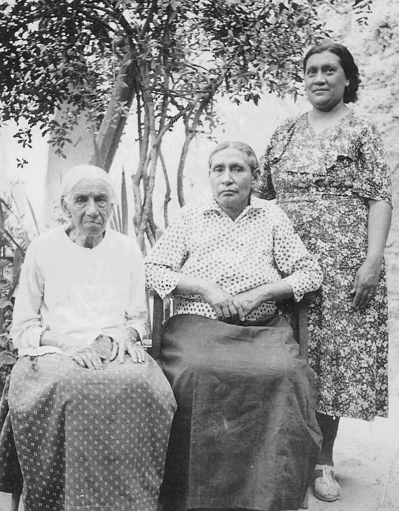 Photograph of Ramona's grandmother, (left) Severa Valles; Ramona's mother (center), Asunción Rodriguez; unknown individual (right) (circa 1904) in Parral, Chihuahua, Mexico