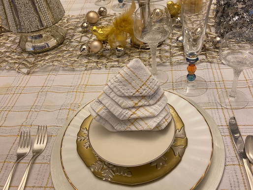 Christmas White and Gold Table Setting