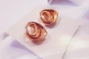 Orecchini color rosa di TortellinoArt
