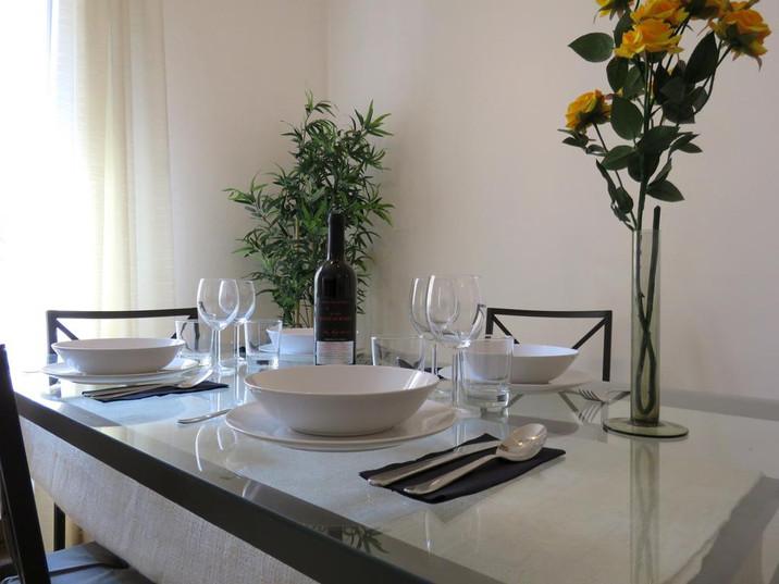 Altaseta Apartments tavolo