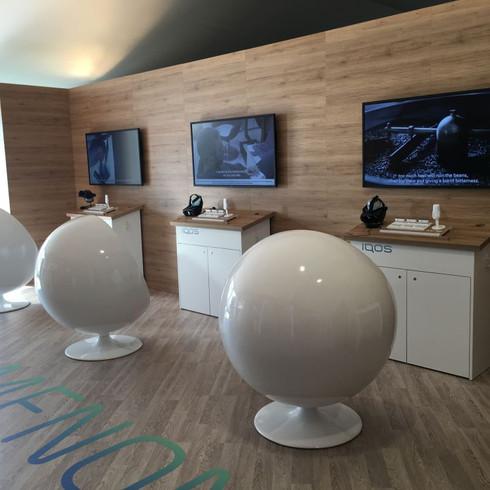 Retail presentation space