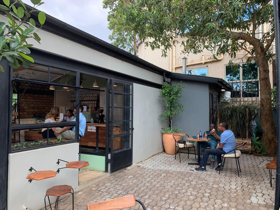 Side opendoors terrace