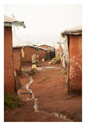 Kiziba, pathways as left-over spaces
