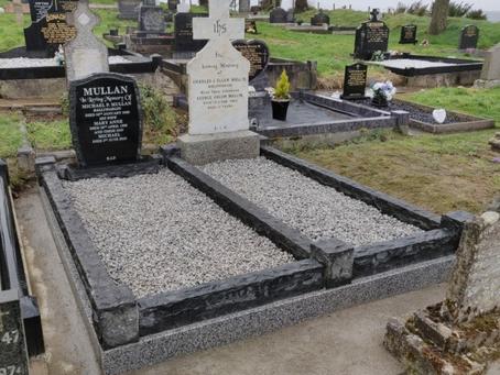 Rustic Style Headstone & Surround