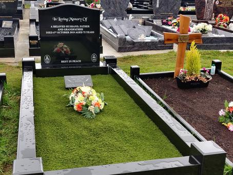 OG Design Headstone & Surround