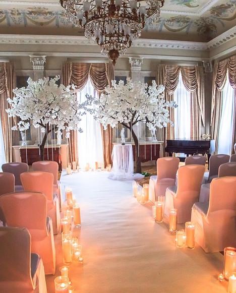 Белые сакуры luxe в оформлении свадьбы в Морозовке