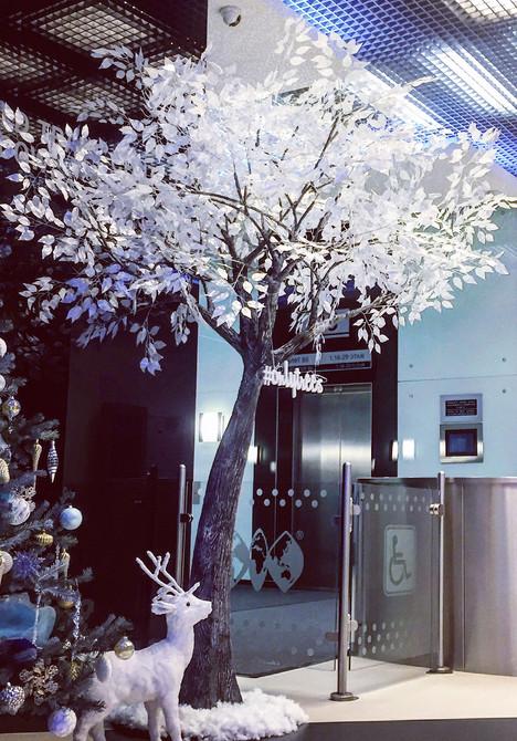 Сказочно красивое новогоднее дерево.