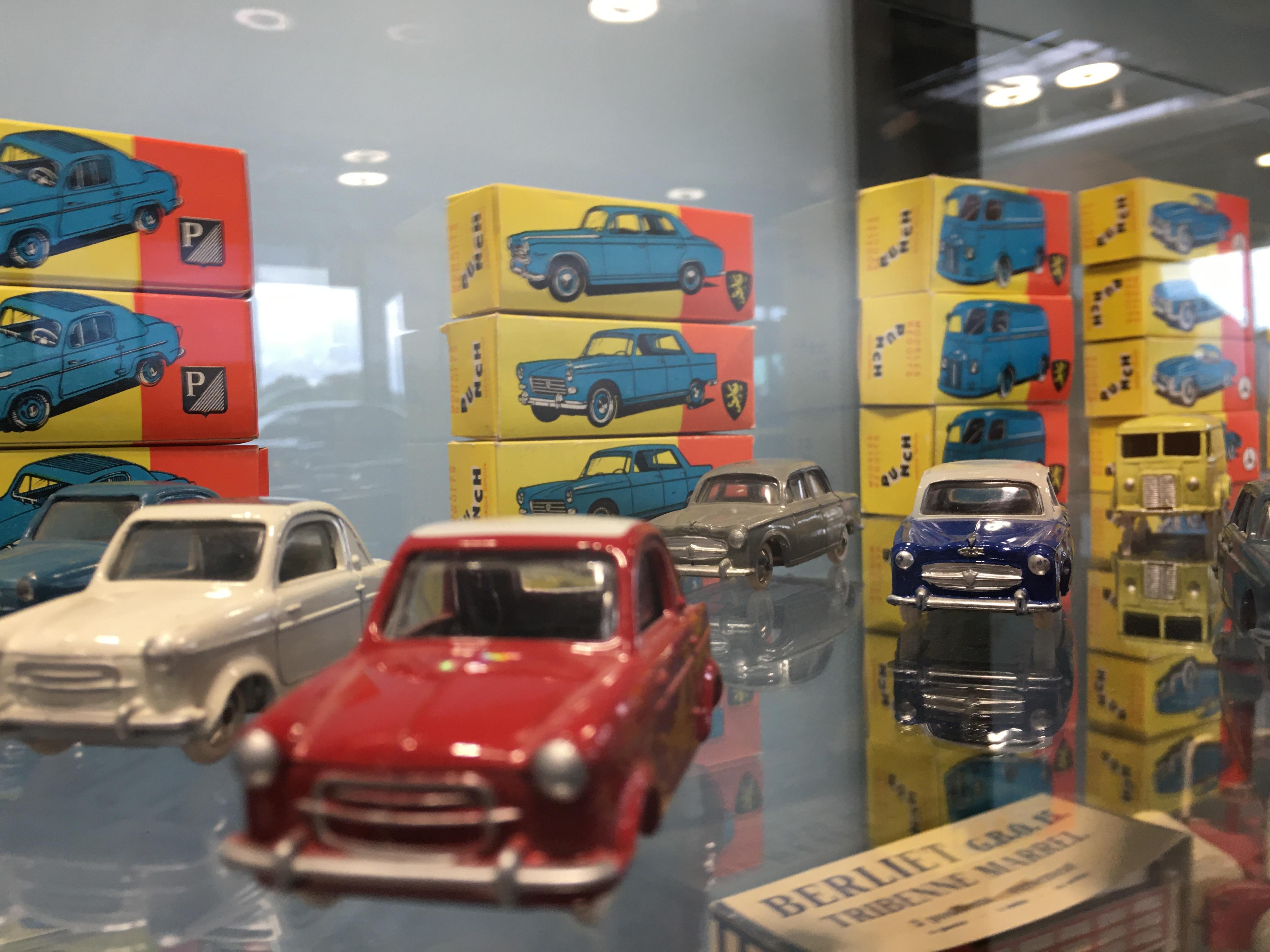 Exposition voitures miniatures