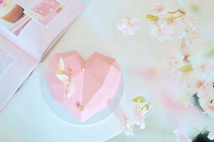 Love shape mousse cake