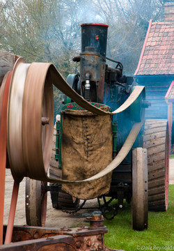 Working traction engine
