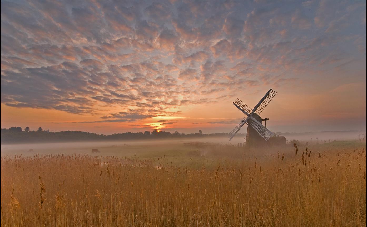 Smock Sails at Sunrise