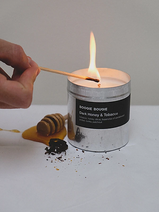 Soy candle 'Boogie Bougie' - Dark Honey & Tobacco
