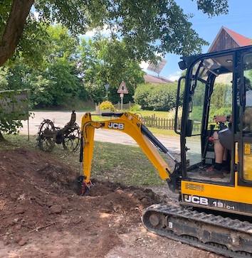 Fundamentaushebung für Baumhaus