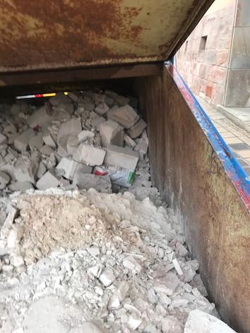 Bauschutt aus Wohnungsdurchbruch