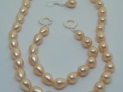 Peach shell pearl jewellery set