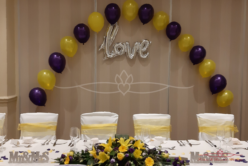 Love balloons display