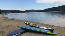 paddleboard na pláži.jpg