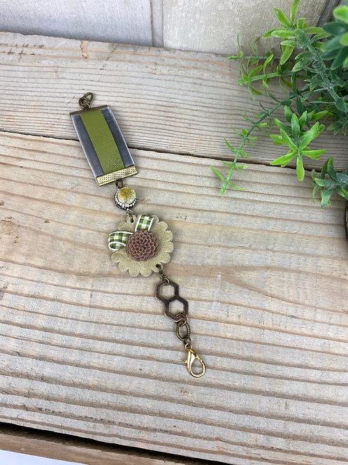 Vintage bits and bobs Bracelet
