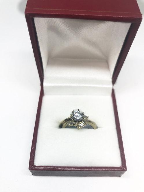 10 Karat Yellow Gold Woman's Ring Set
