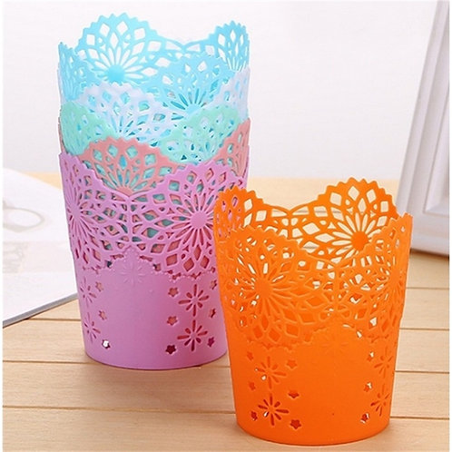 1 Pcs Round Hollow Rose Flower Pen Holders