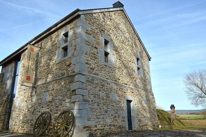 Ancien_Chateau_de_Rahier_(60)_edited.jpg