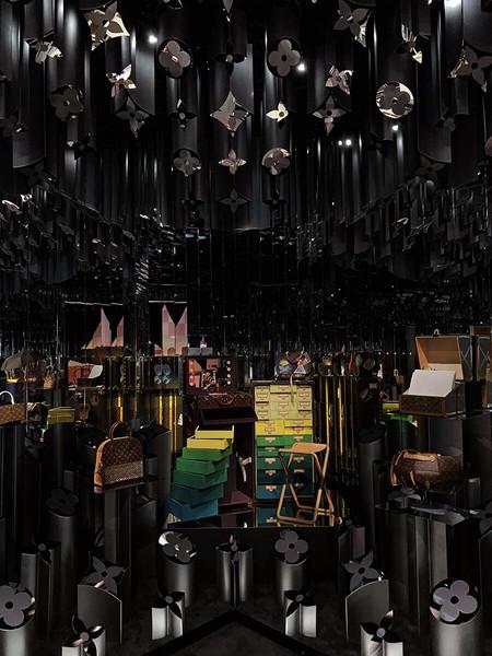 Louis Vuitton X_Zaha Hadid Room_Collecti