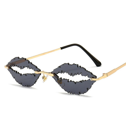 XOXO Kiss Shades