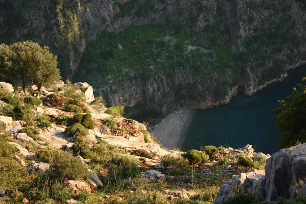 Vie down to Butterfly valley 300m below Faralya