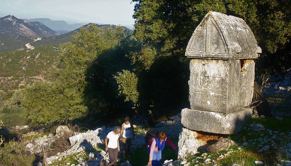 Trekkers in Apollonia