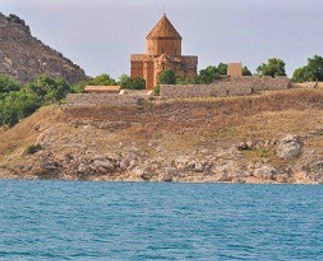 Lake Van Aktamar island by train