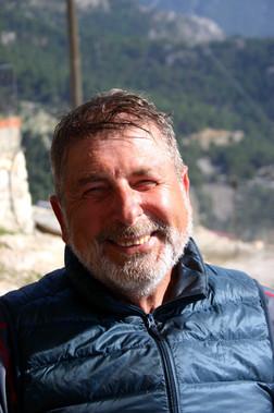 Burhan Şenerdi at Alinca